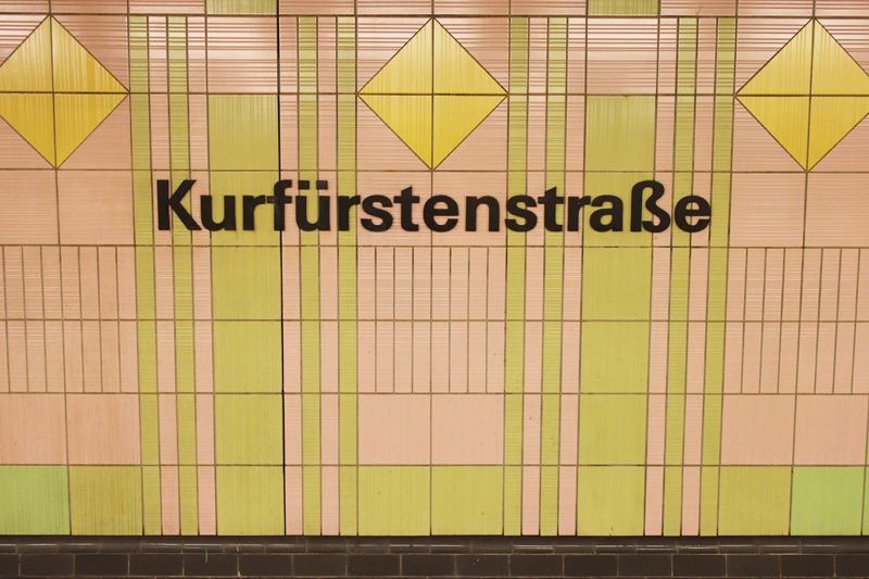 Kurfurstenstrasse_sign